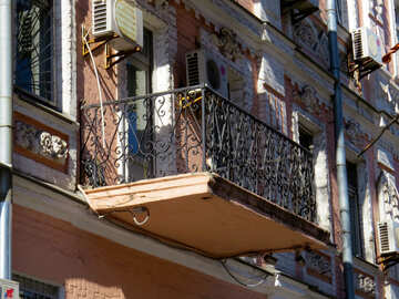 Old balcony with metal railing №41074