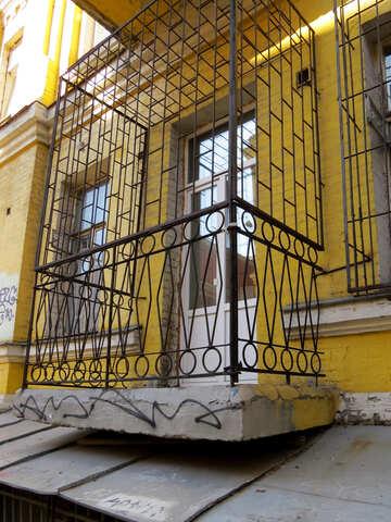 Balcone dietro le sbarre №41272