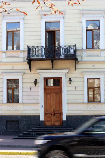 Balcony over the entrance №42026