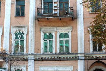 Old windows and balcony №42025