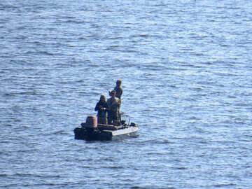 Fishermen on boat №42501
