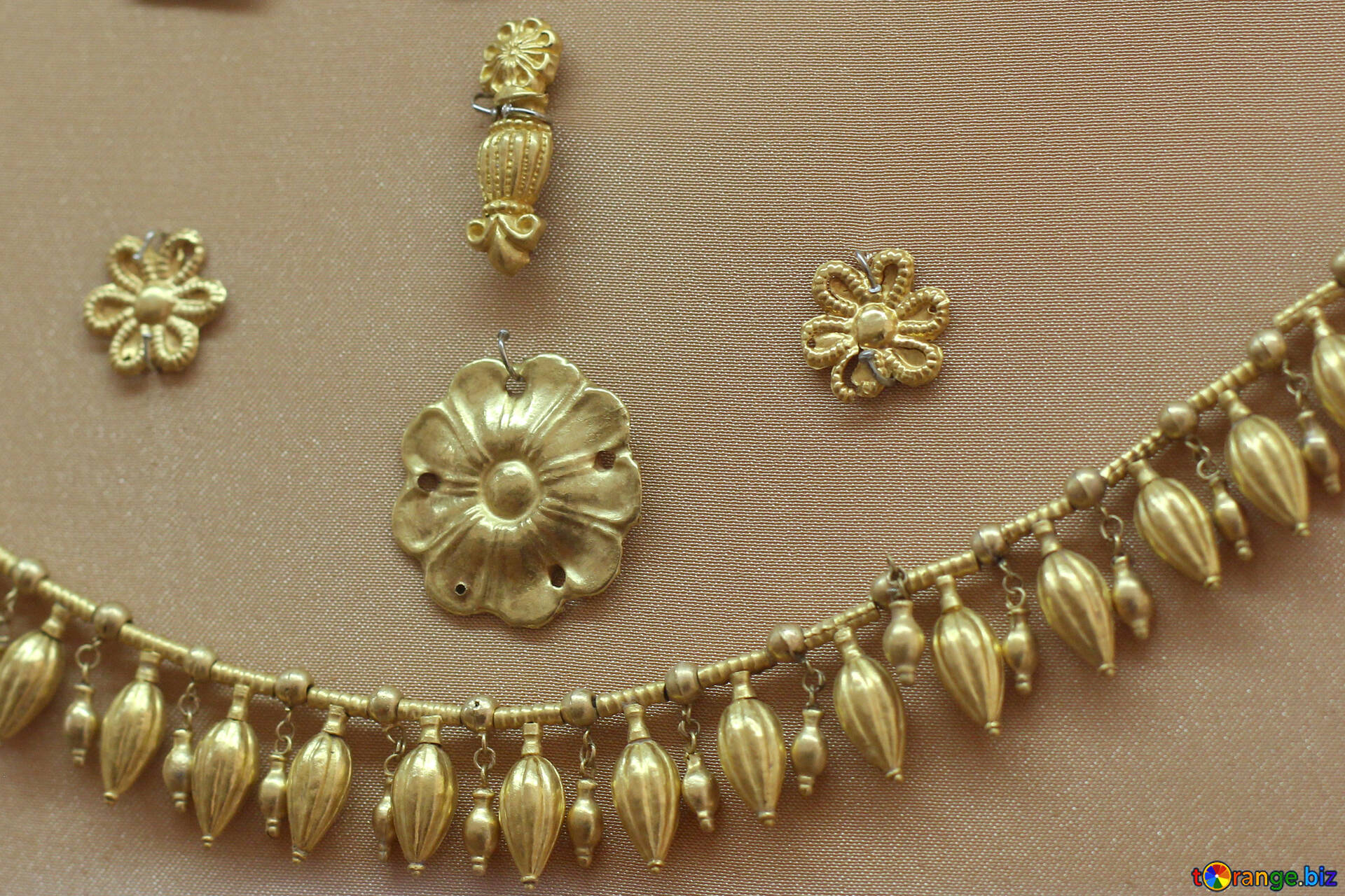 Golden Jewelry Antique Gold Beads