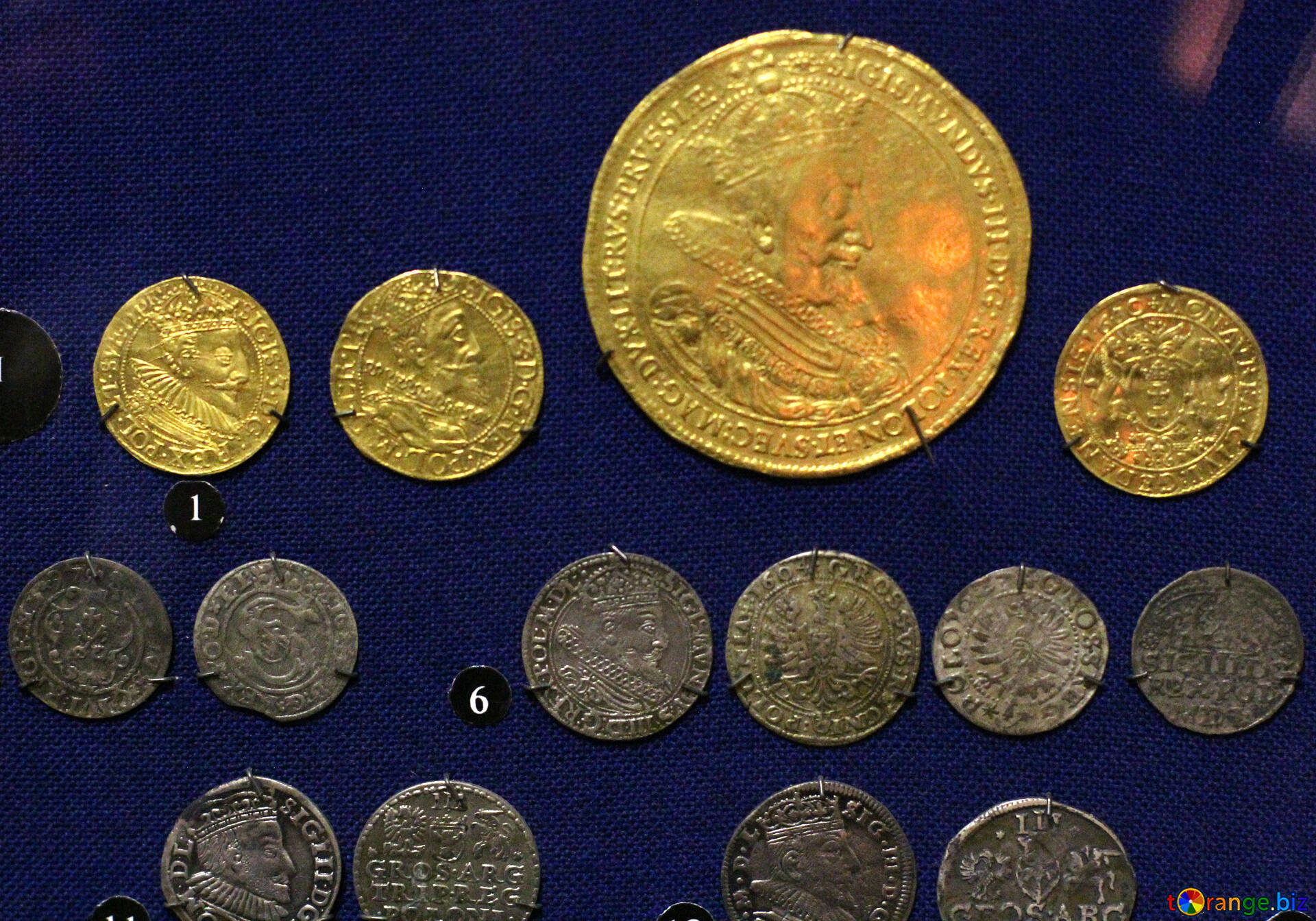Download Free Image Ancient Coins Of Gold And Silver In HD Wallpaper Size 1920px