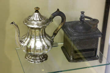 Ancient coffee pot and coffee grinder №43306