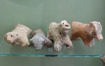 Ancient animal figurines №43828