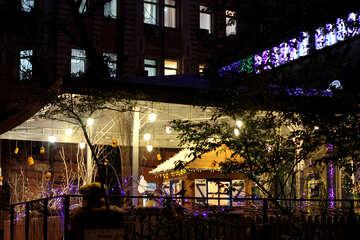 Киевское кафе вечером №43693