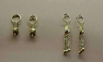 Gold earrings №43735