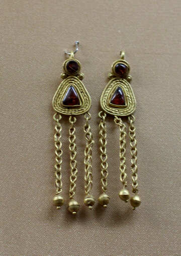 Vintage earrings of gold with stones №43738