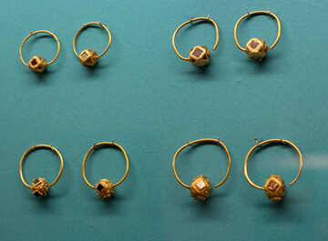 Vintage gold earrings №43955