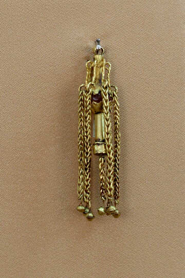 Ancient gold earring №43870