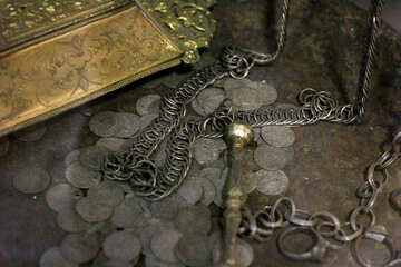 Ancient treasure №43437