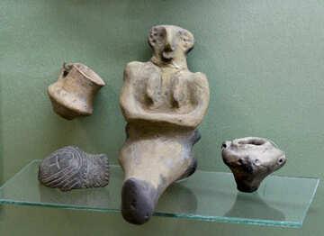 Prehistoric pottery figurines №43851