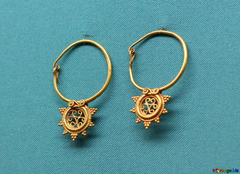 Ancient gold earrings №43969