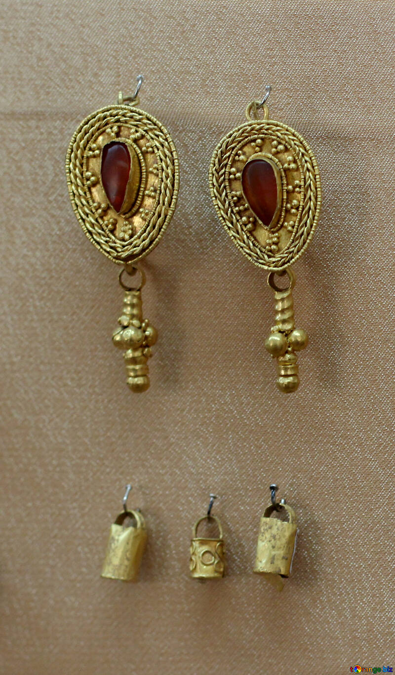 Antique gold jewelery №43857
