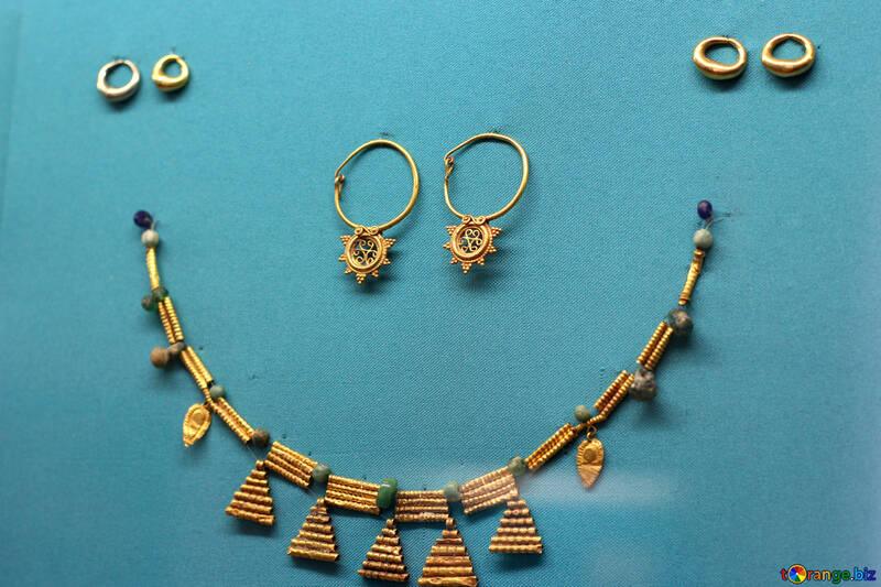 Ancient golden jewelry ancient golden jewelry beads gold № 43970