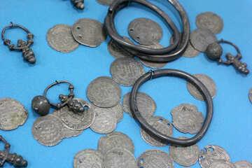 Ancient treasure №44004