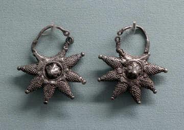 Ancient earrings №44094