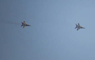 Military aircraft in the sky №44492