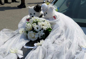 Wedding Bears on the hood №44341