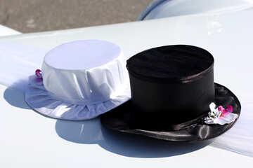 Wedding hats by car №44437