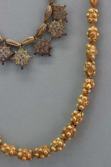 Ancient beads made of gold №44060