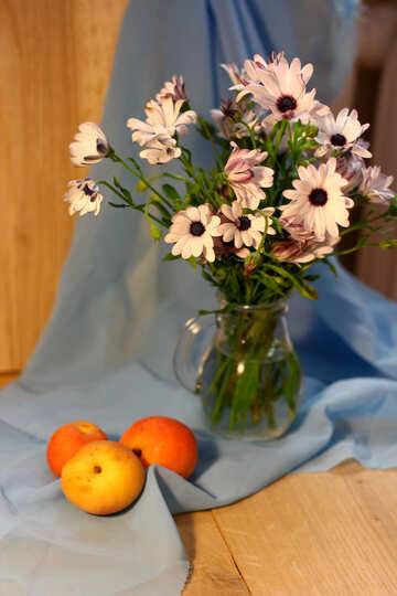 Natura morta con mele e fiori №46849