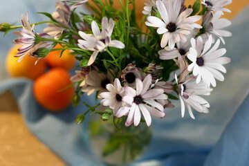 Natura morta con mele e fiori №46852