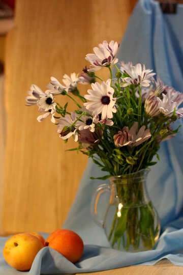 Natura morta con mele e fiori №46856