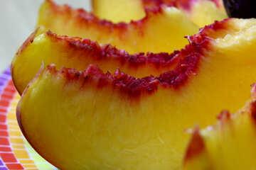 Peaches on a plate sliced №46321