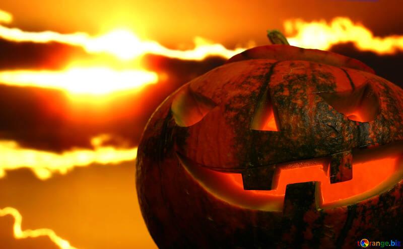 Calabaza de Halloween en un fondo puesta de sol №46188