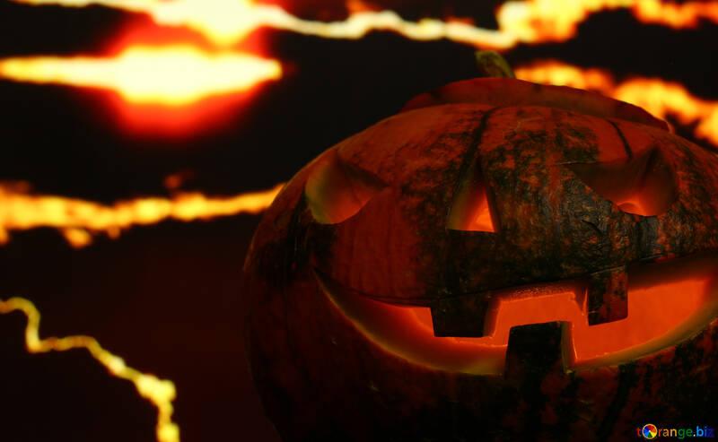 Calabaza de Halloween en un fondo puesta de sol №46189