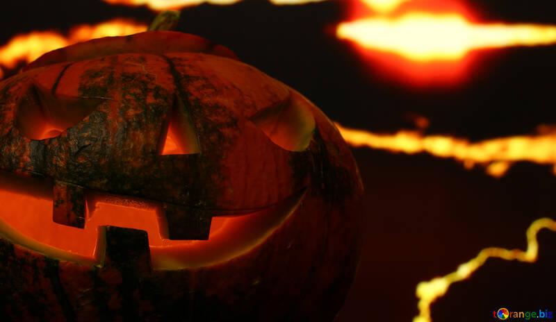 Calabaza de Halloween en un fondo puesta de sol №46190