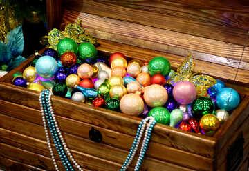 Chest full of Christmas toys №47654