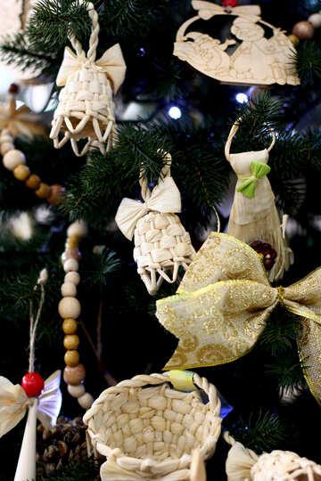 Wicker Christmas toys on the Christmas tree №47669