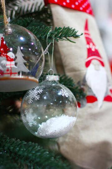 Glas Weihnachtskugeln und Socken für Geschenke №47578