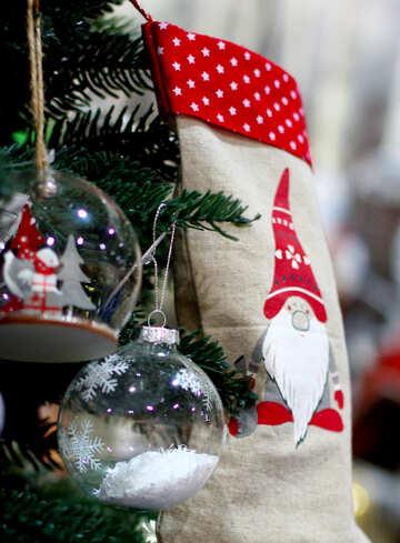 Glas Weihnachtskugeln und Socken für Geschenke №47579