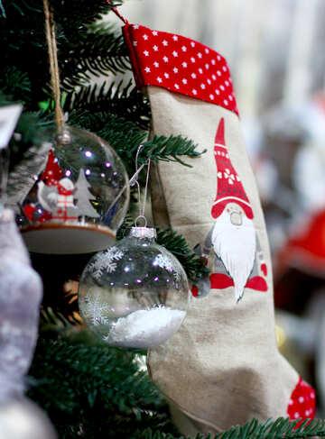 Glas Weihnachtskugeln und Socken für Geschenke №47580