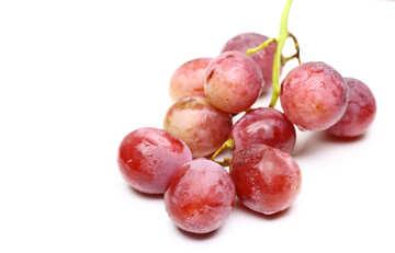 Розовый виноград изолированно на белом фоне №47267