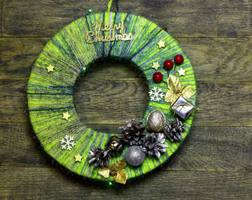 Christmas wreath made of threads №48084