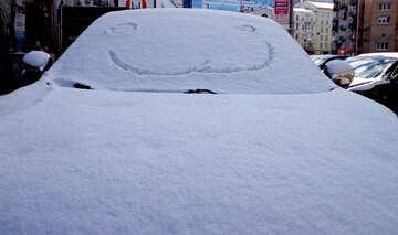 Bild Lächeln auf Autos im Schnee №48496