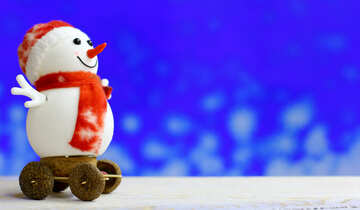 Snowman on a blurred background №48079