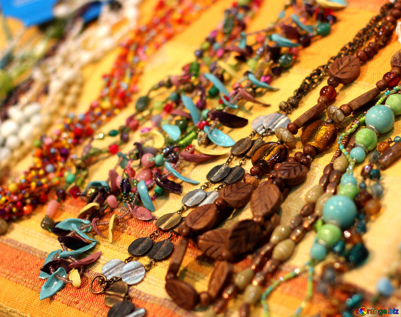 Beads of colored stones №48725