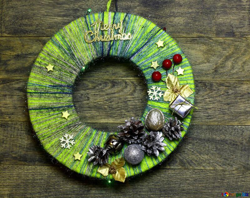 Christmas wreath made of threads №48084