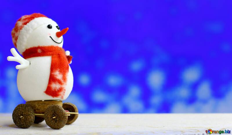 Снеговик на размытом фоне №48079