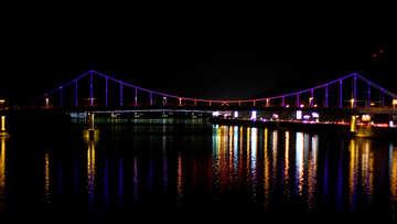A beautiful bridge night reflection №49260