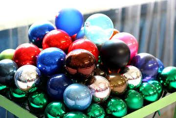 Разноцветные новогодние шары №49485