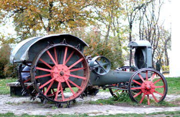 Alter Traktor №49340