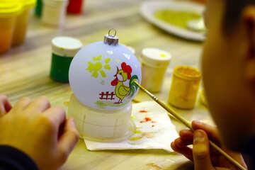 Раскраска новогодних игрушек вручную №49405