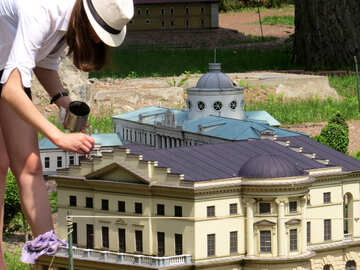 The artist paints the layout of the building №49854
