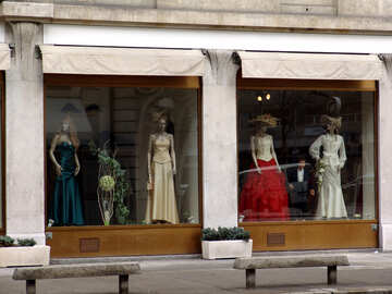 Shop window for women`s dresses №49975